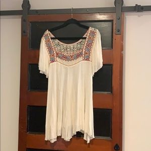 Free People embroidered short sleeved top size L